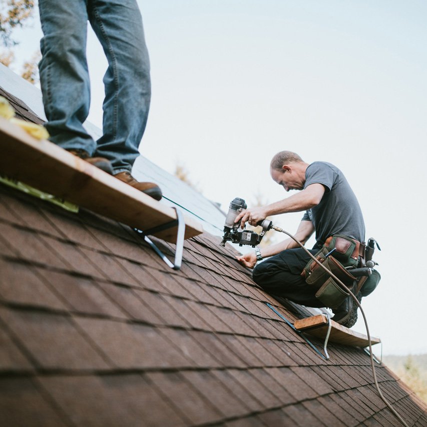 Roofers on roof, Twin Cities Roofing contractor